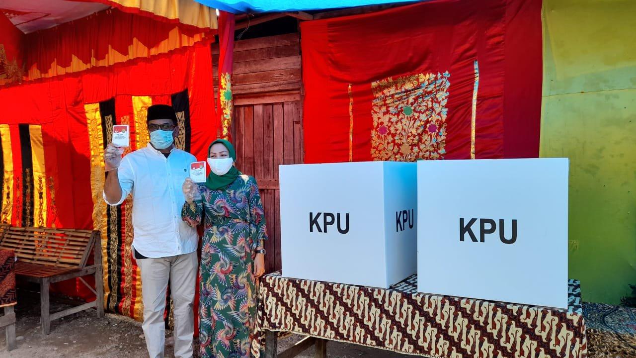 Nyoblos di TPS 003, Sukhairi Datang Bersama Keluarga