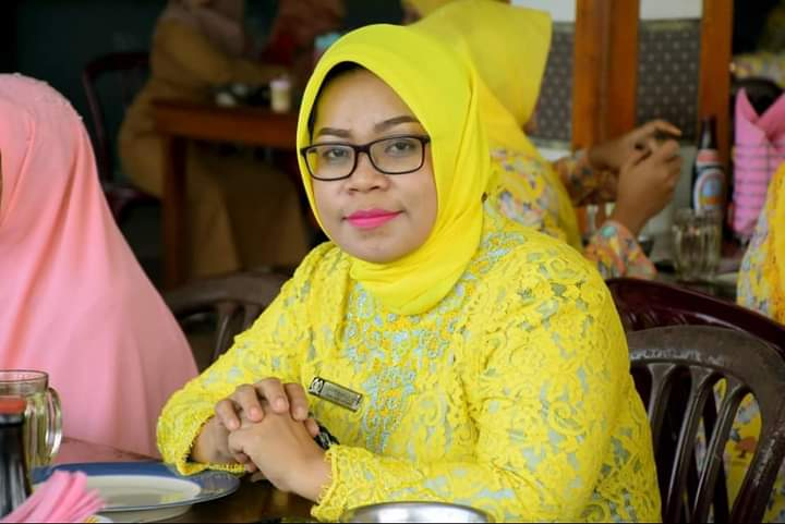 Zubaidah: Masalah Guru Honorer di Madina Harus Diperjuangkan