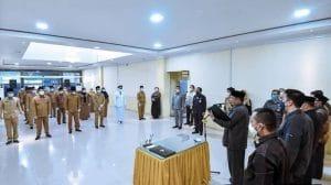 Irsan Efendi Lantik 23 Pejabat Eselon III dan IV di Pemko Padangsidimpuan