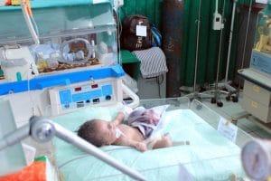 Sempat Dibesuk Bupati Madina, Bayi Penderita Gastroschisis Meninggal Dunia di RS Adam Malik