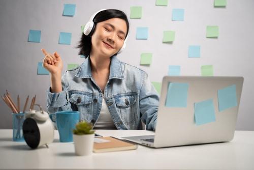 4 Cara Menghilangkan Rasa Ngantuk di Tempat Kerja